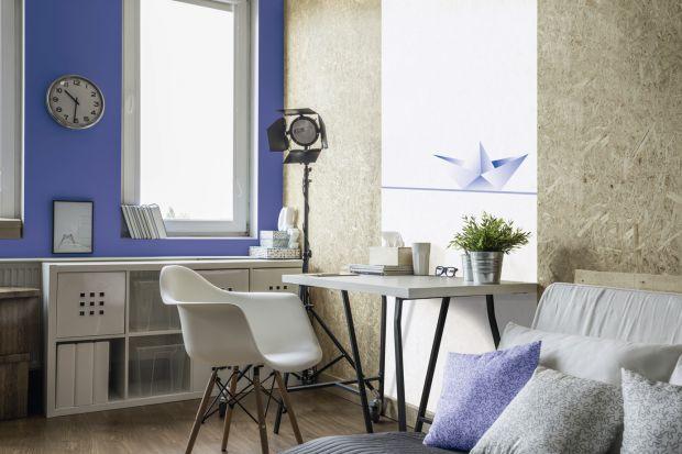 Praca w domu, czy nawet nauka do egzaminu wymagają odpowiednio zaaranżowanego miejsca. Wygodne biurko i krzesło to podstawa, ale to nie wszystko... Zobacz, jak można ciekawie urządzić domowe biuro.