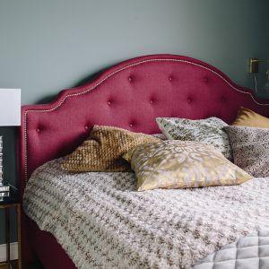 Łóżko Flores firmy Wajnert Meble. Fot. Interiors Design Blog
