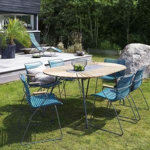 Do aluminiowej ramy krzeseł Click są przymocowane klipsami paski z elastycznego tworzywa, które łatwo można zastąpić paskami w innych kolorach. Fot. Dutchhouse.pl