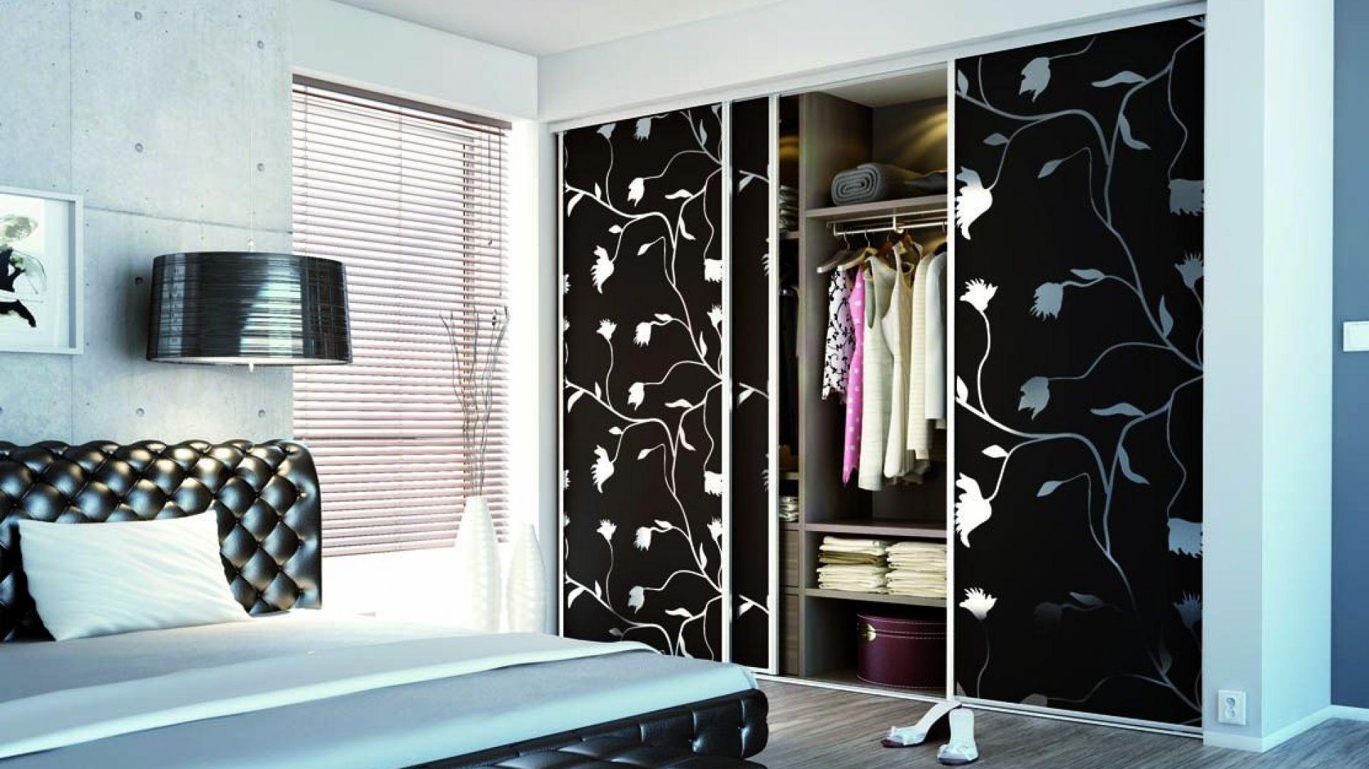 Na drzwiach szafy można zastosować ciekawe nadruki. Fot. Sevroll