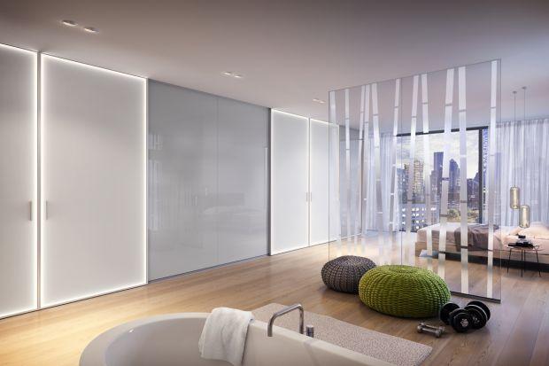 Gra światłem jest ważnym elementem aranżacji wnętrz salonów czy sypialni. Istnieje kilka podstawowych zasad, których należy przestrzegać, aby pomieszczenia sprawiały wrażenie przytulnych oraz optycznie większych.Podajemy kilka z nich.