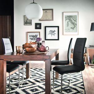 """Stół z kolekcji """"Carina"""" firmy Paged. Fot. Paged"""