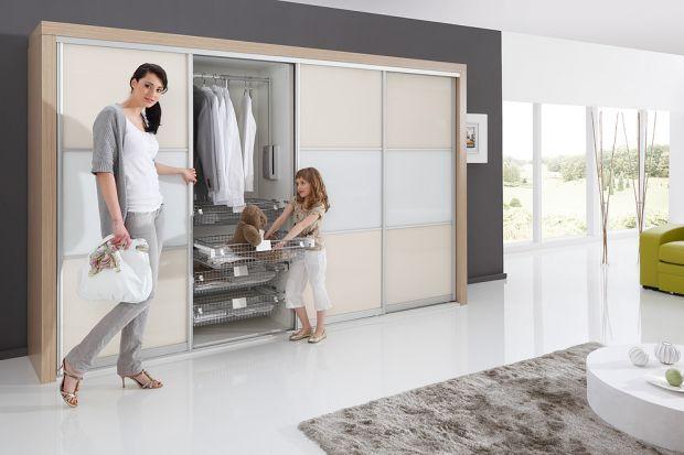 Systemy elektrycznego otwierania szuflad i szafek - praktyczne i estetyczne
