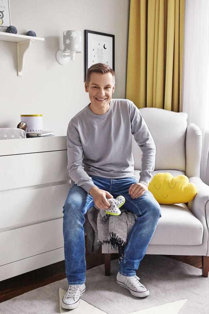Marcin Mroczek również wybrał dla swojego dziecka meble marki Pinio. Fot. Jola Skóra, projekt: Anna Olga Chmielewska