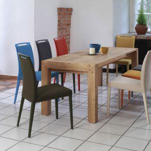 Stół z litego drewna. Fot. Klose