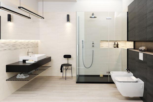 Dominująca czerń i delikatna biel to połączenie niezawodne. Łazienka urządzona w tych kolorach będzie długo modna.