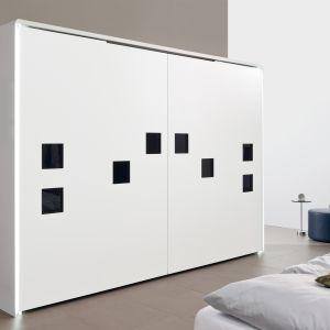 Design szafy nie zawsze przewiduje uchwyty meblowe. Fot. Hettich