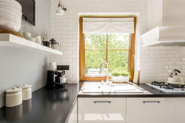 Twoja kuchnia już dawno utraciła modny blask? Chciałbyś coś zmienić, ale nie wiesz jak? Podpowiadamy, jak w zaledwie kilka dni odmienić kuchenne wnętrze nie do poznania.