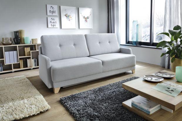 Trzyosobowa sofa rozkładana.