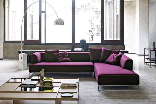 W 2018 roku w modnych wnętrzach musi koniecznie pojawić się Ultra Violet. To kolor, który Instytut Pantone ogłosił kolorem bieżącego roku. Odważni mogą w ten sposób pomalować ściany. Tym, którzy boją się rewolucji, polecamy meble w kolorze