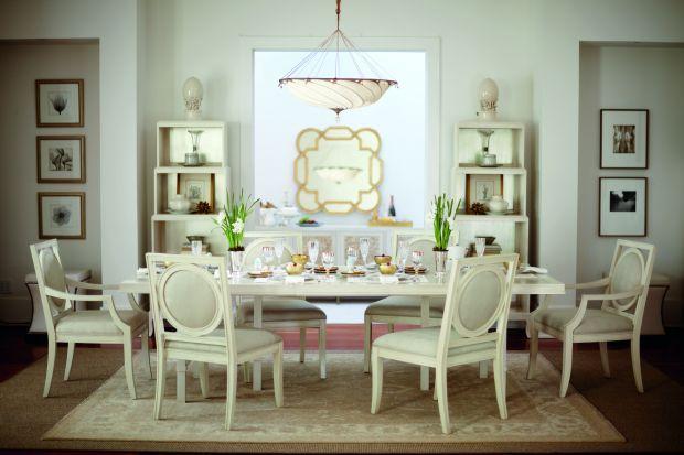 Stół to najważniejszy mebel w jadalni. Im piękniejszy mebel wybierzemy, tym bardziej wykwintne będą przyjęcia przy nim urządzane.