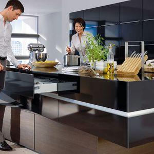 Coraz większym zainteresowaniem użytkowników kuchni cieszą się systemy bezuchwytowe. Fot. Hettich