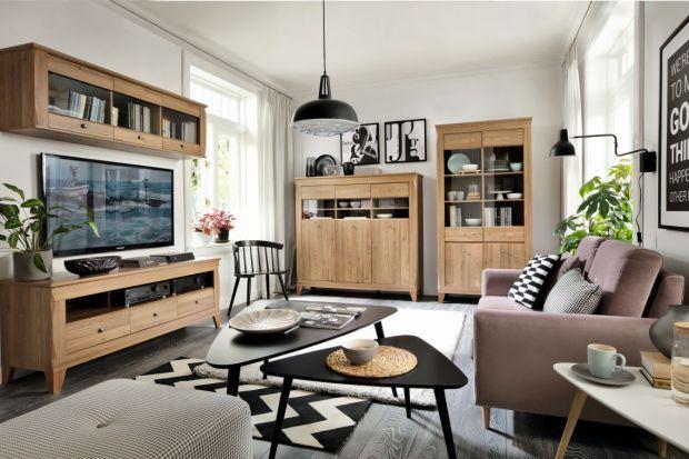 """Na kolekcję """"Bergen"""" składa się14 elementówprzeznaczonych do aranżacji salonu, sypialni i jadalni. Zróżnicowane moduły dają możliwość urządzenia wnętrza według własnego gustu i potrzeb. System utrzymany jest w ciepłym kolorz"""