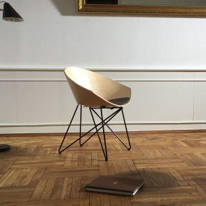 Krzesło RM 56 Wood marki Vzór. Projekt: Roman Modzelewski. Fot. Vzór