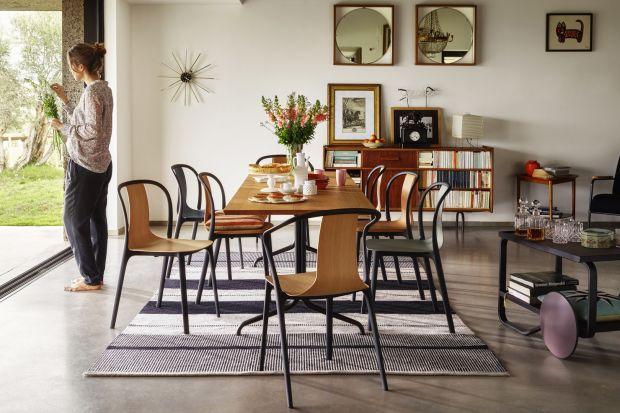 Sklejka jest materiałem, który nie wszystkich przekonuje jako element aranżacji wnętrz. Jak duży jest to błąd, przekonują prezentowane przez nas krzesła wykonane właśnie ze sklejki. Ich designerskie kształty będą ozdobą nowoczesnego salonu,