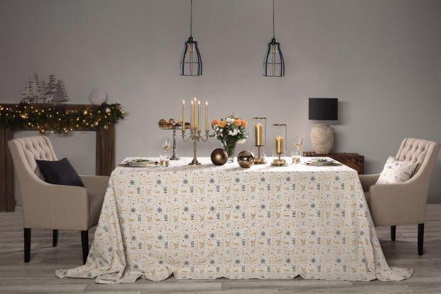 Przedświąteczny okres toświetny moment na metamorfozę salonu i zakup nowych mebli. Na szczególną uwagę zasługują w tym czasie wygodne krzesła, rodzinny stół i elegancka komoda. To wokół tych mebli będzie najwięcej świątecznego zamiesza