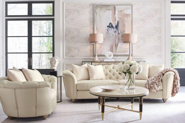 Meble Caracole to kwintesencja ponadczasowej elegancji. W wydaniu amerykańskiej marki klasyka naznaczona jest pierwiastkiem współczesności. Dominują tutaj eklektyczne formy i kobiece wykończenia, na główny plan wysuwa się paleta świetlistych kol
