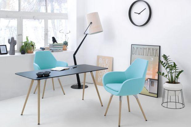 Coraz częściej jesteśmy zmuszeni aranżować w przestrzeni mieszkalnej miejsca przeznaczone do pracy. Jak sprawić, żeby były one nie tylko funkcjonalne, ale też atrakcyjne wizualnie i harmonijnie dopasowane do stylistyki całego domu? Podajemy kilk