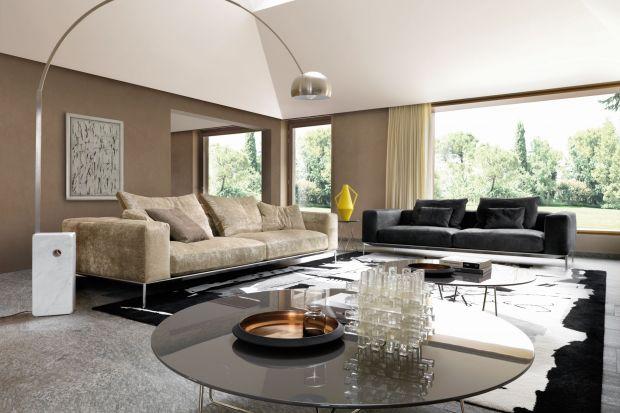 Kiedy dysponujemy wnętrzem o dużym metrażu, mamy wiele możliwości zaaranżowania wygodnego i atrakcyjnego wizualnie salonu. Możemy wybierać meble o dużych gabarytach, bez obawy, że przytłoczą wnętrze.