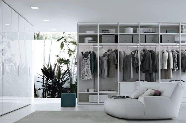 Garderoba idealna jest możliwa, jeśli ten, kto ją projektuje, uważnie wsłucha się w to, co powie mająca z niej korzystać osoba. Projektowanie tak prywatnych i ważnych dla domownika przestrzeni oparte jest przede wszystkim na obustronnej otwartoś