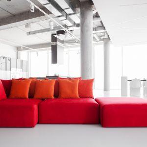 Wygodna dzięki poduszkom i miękkim modułom siedziska. Fot. Noti