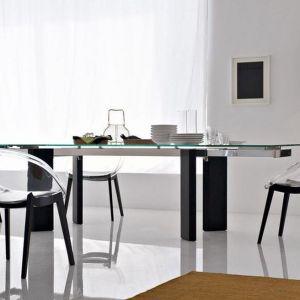 "Krzesła ""Bloom"" firmy Calligaris. Projekt: Archirivolto. Fot. Calligaris"