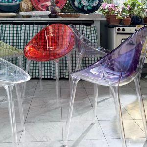 """Krzesła z serii """"Mr. Impossible"""" firmy Kartell. Projekt: Philippe Starck. Fot. Kartell"""