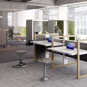 """W biurku """"Stand UP R"""" (Mikomax Smart Office) zastosowano manualny mechanizm podnoszenia blatu. Fot. Mikomax Smart Office"""