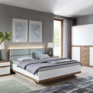 Sypialnia Como ze wstawkami z drewna. Fot. Meble Taranko