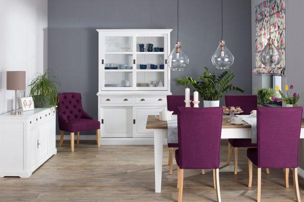 Ultra Violet, kolor roku 2018, ma symbolizować nonkonformizm, indywidualność i kreatywność. Wprowadzenie do wnętrza tak energetycznej barwy nie jest łatwe. Zobacznie najprostsze sposoby na stworzenie aranżacji z udziałem tego koloru.