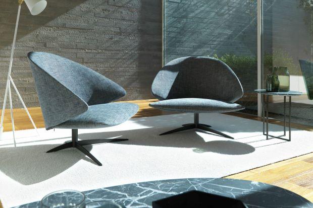 To prawdziwy król wypoczynku - fotel to mebel, bez którego niektórzy z nas nie wyobrażają sobie nie tylko efektywnego relaksu, ale także dobrze urządzonego wnętrza. Warto znaleźć dla niego miejsce w salonie!