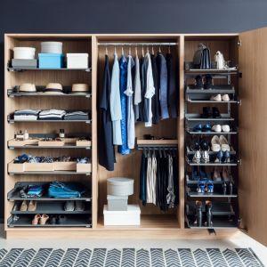 Szafa z funkcją garderoby jest projektowana na ubrania, buty i inne codziennie używane akcesoria. Fot. Peka