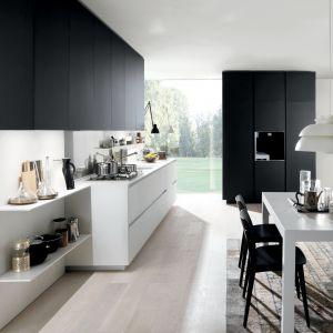 Minimalistyczna kuchnia bez uchwytów. Fot. Euromobil