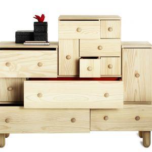 Komoda z drewna z serii IKEA PS. Fot. IKEA