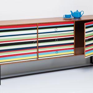 Kolorowa komoda Stripes. Fot. Kare Design