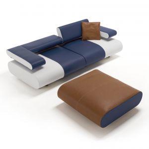 Niewielka sofa ze składanymi zagłówkami. Fot. Egoitaliano