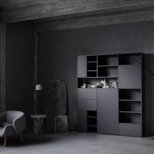 Meble w czarnym kolorze świetnie komponują się z wnętrzami w różnych stylach - minimalistycznym, skandynawskim, klasycznym czy loftowym. Fot. BoConcept