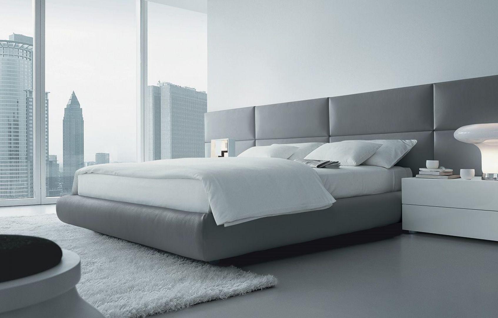 To łóżko zaprojektował Marcel Wanders dla marki Poliform. Fot. Studio Forma 96