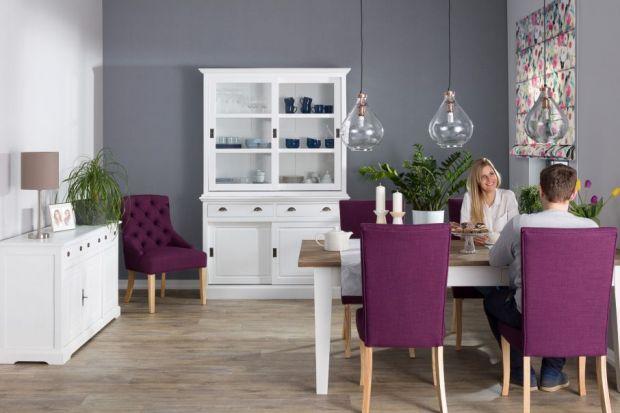 Dobór odpowiednich krzeseł do domu jest niezwykle ważny – wpływają one na charakter pomieszczeń oraz zapewniają komfort podczas rodzinnych obiadów i domowych przyjęć.Podpowiadamy, czym kierować się przy ich wyborze.