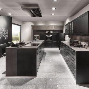 Ciemne fronty podkreślają loftowy styl wnętrza. Fot. Verle