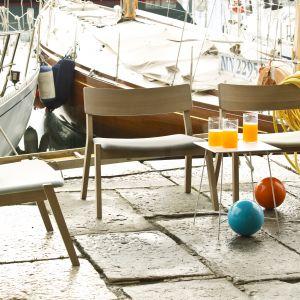 """Krzesła z serii """"Frame Out"""" włoskiej firmy Very Wood. Fot. Very Wood"""
