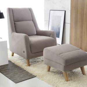 Fotel z podnóżkiem - kolekcja Fiord. Fot. Etap Sofa