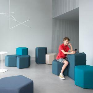 "Pufy ""Bazalto"" firmy MDD. Projekt: Andreas Krob. Fot. MDD"