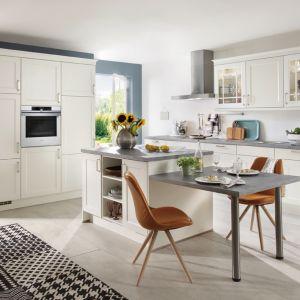 Prostota form doskonale sprawdza się w kuchni. Fot. Verle