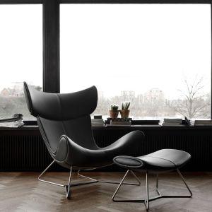 Designerski fotel Imola z podnóżkiem. Fot. BoConcept