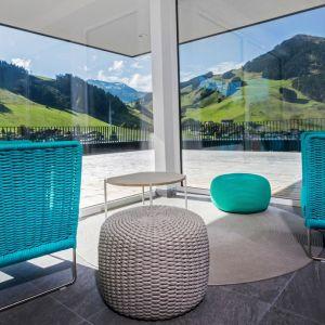 Fotel Ami, projekt Paola Lenti. Fot. Rooms Design