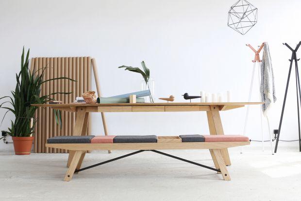 """Ciekawy kształt i wygląd ławki """"Meso"""" są wynikiem obserwacji prowadzonych m.in. w poczekalni przestrzeni biurowej czy teżdoświadczeń związanych z aranżacją domowego korytarza."""