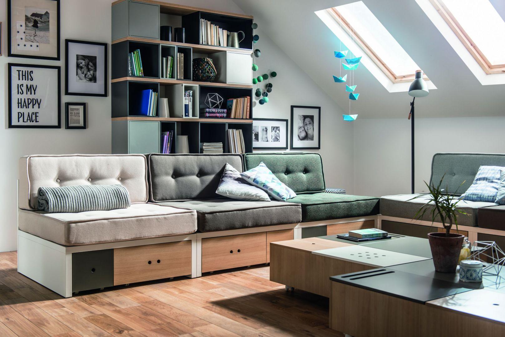 Sofa Custom posiada dodatkowe miejsce do przechowywania - w szufladach pod siedziskiem. Fot. Vox