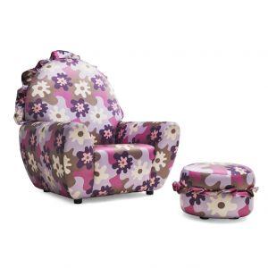 Fotel i podnóżek obite tkaniną w kwiaty. Fot. Meritalia