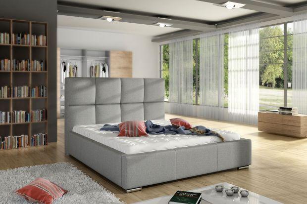 """""""Stella"""" to tapicerowane łóżko z fantazyjnym zagłówkiem, przypominający tabliczkę czekolady."""